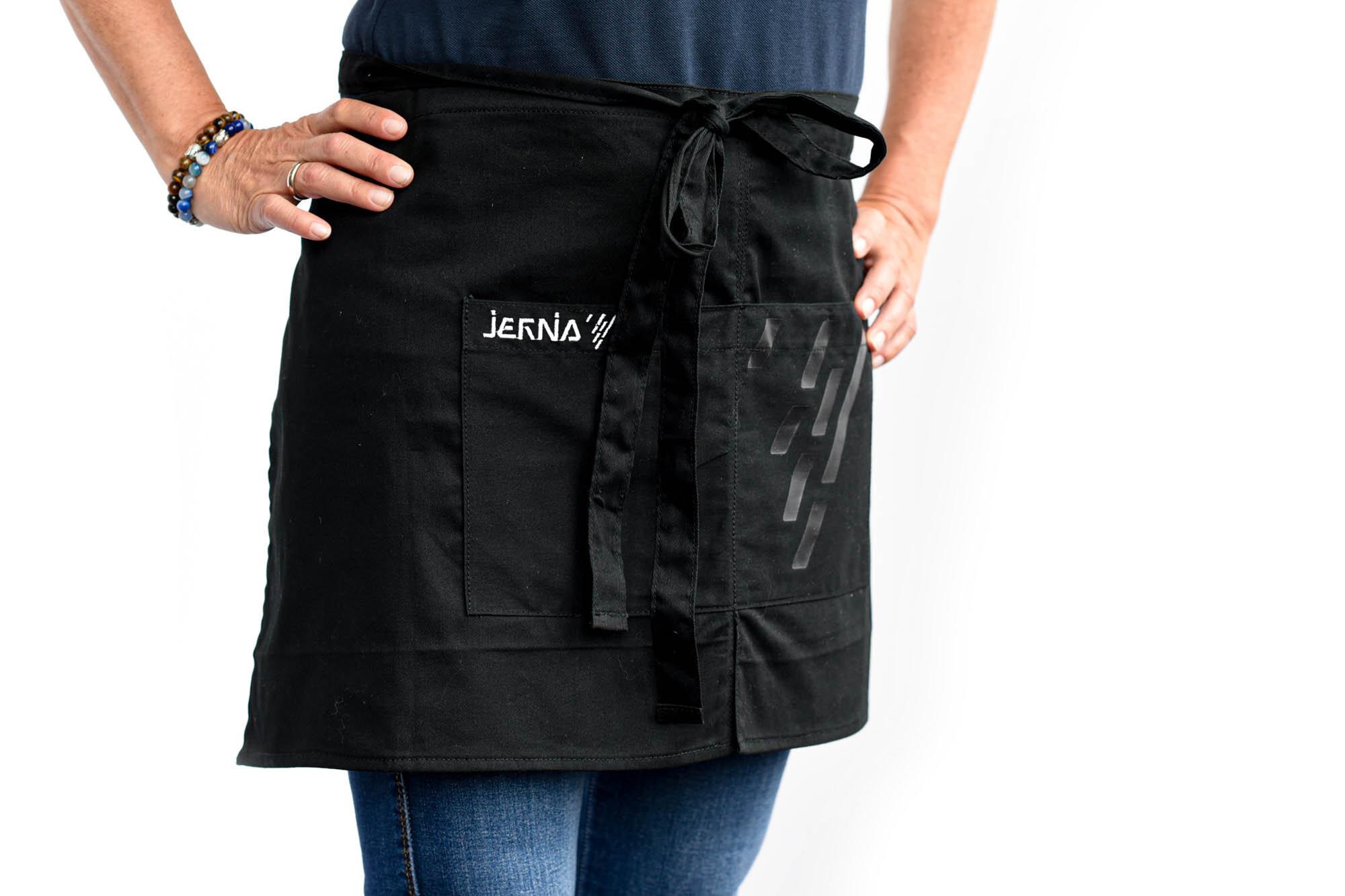 Jernia uniform